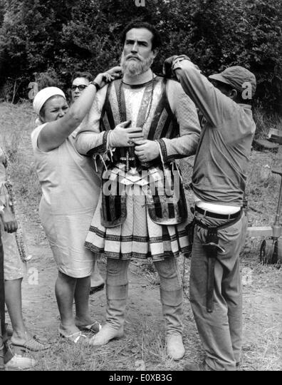 Actor Vittorio Gassman on set of 'The Pleasing Night' - Stock Image
