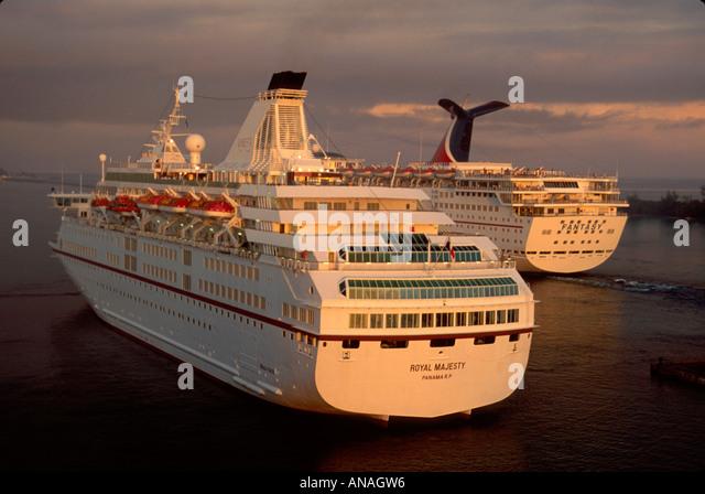 Bahamas New Providence Nassau Prince George Dock departing cruise ships sunrise - Stock Image