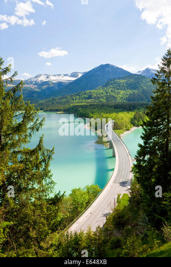 Sylvenstein Lake and Bridge Bavarian Alps Bavaria Germany - Stock-Bilder