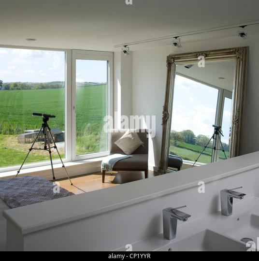 Bedroom With Ensuite Bathroom: Ensuite Bathroom Uk Stock Photos & Ensuite Bathroom Uk