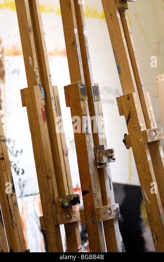 Photograph of artist easel painter education school lesson art - Stock-Bilder