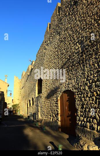 Saint mitre stock photos saint mitre stock images alamy for Les bouche du rhone