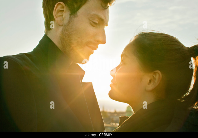 Looking each other deep in the eyes - Stock Image