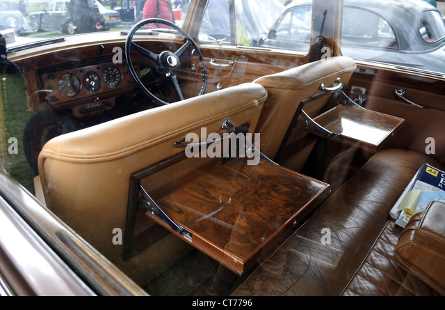 vintage bentley rally stock photos vintage bentley rally stock images alamy. Black Bedroom Furniture Sets. Home Design Ideas