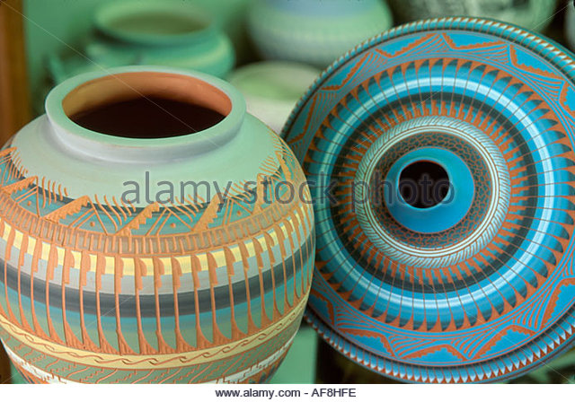 Arizona Scottsdale Trail's End Gallery Navajo Native American vase & seed pot for sale - Stock Image