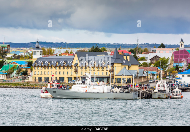 The harbor town of Puerto Natales, Patagonia, Chile, South America - Stock Image