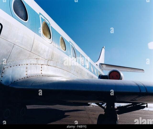 airplane airport aviation close-up color image flying horizontal journey midair sky traffic transport window wing - Stock-Bilder