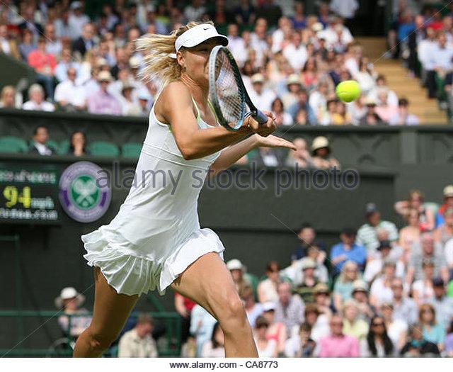 25/06/2012 - Wimbledon (Day 1) - Maria SHARAPOVA (RUS) vs. Anastasia RODIONOVA - Maria Sharapova - Photo: Simon - Stock-Bilder