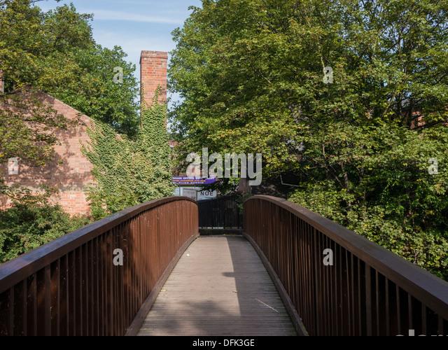 Footbridge over the Nottingham Canal. Nottingham, United Kingdom - Stock Image