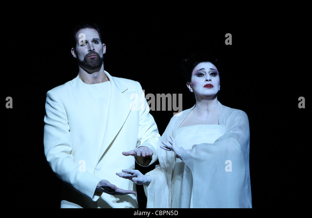 Watch Madama Butterfly Online