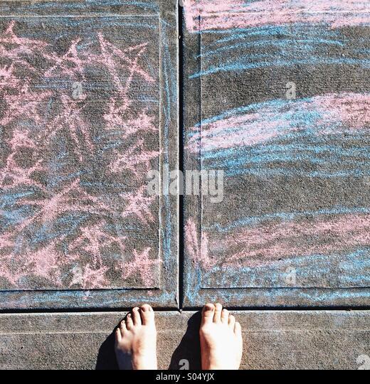 American flag in chalk with feet - Stock-Bilder