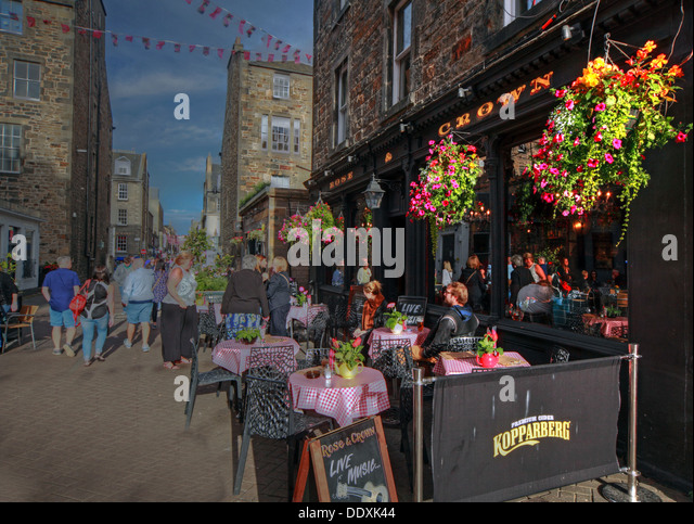Rose Street,Edinburgh,Scotland,UK a place to drink,eat,party, TheCrown - Stock Image