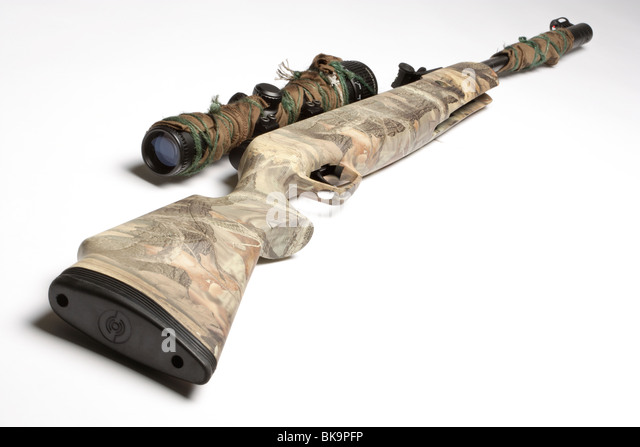 Camouflage air rifle gun with telescopic sights - Stock-Bilder