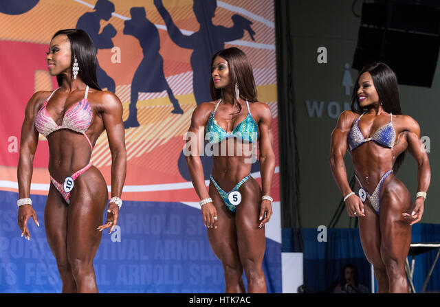 March 3rd 2017, Columbus, OH, USA;  Latorya Watts (10), Candice Lewis-Carter (5) and Cydney Gillon (2) compete in - Stock-Bilder