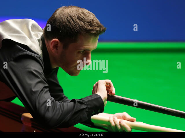 The Crucible, Sheffield, UK. 30th Apr, 2016. World Snooker Championship. Semi Final, Mark Selby versus Marco Fu. - Stock-Bilder
