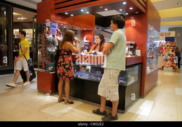 Mendoza Argentina Villa Nueva Mendoza Plaza Shopping mall shopping center centre business kiosk jewelry Hispanic - Stock Image