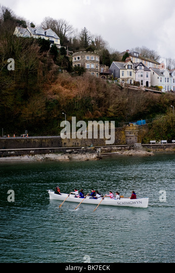 The Looe gig boat Scathgwyn on the River Looe in Cornwall.  Photo by Gordon Scammell - Stock Image