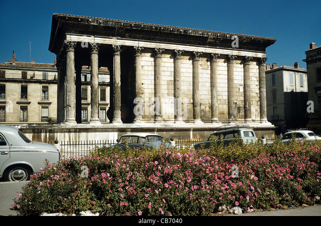 Roman temple stock photos roman temple stock images alamy - Maison carree nimes ...