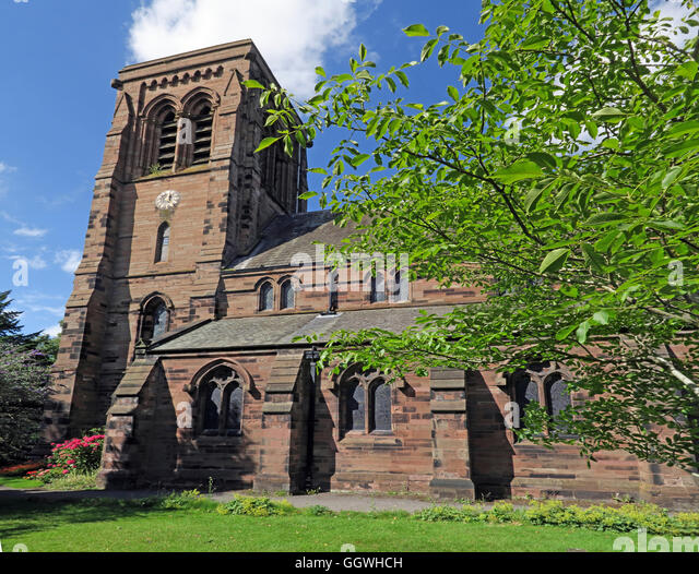 St Matthew's Church in the village of Stretton, Cheshire, England, UK - Stock Image