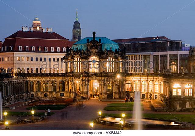 DEU Dresden Zwinger dusk overview fountain - Stock Image