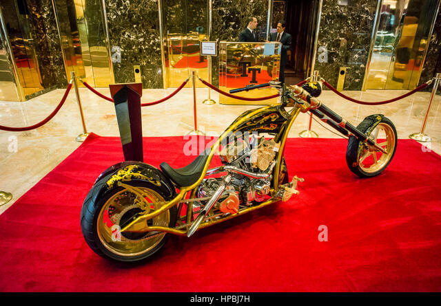 Trump Tower, Interieur, golden motorcycle, custom-made chopper for Donald Trump,  Lobby, Elevators, New York City, - Stock Image