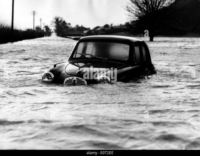 NATURAL DISASTER: 1960 Floods in England - Stock-Bilder