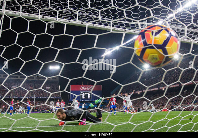 Madrid, Spain. 19th Nov, 2016. Real Madrid´s Portuguese forward Cristiano Ronaldo scoring a goal during the - Stock Image