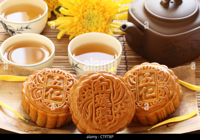 Mooncake and tea,Chinese mid autumn festival food. - Stock Image