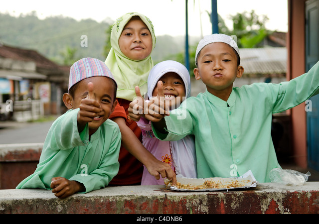 muslim children in bali, indonesia - Stock Image