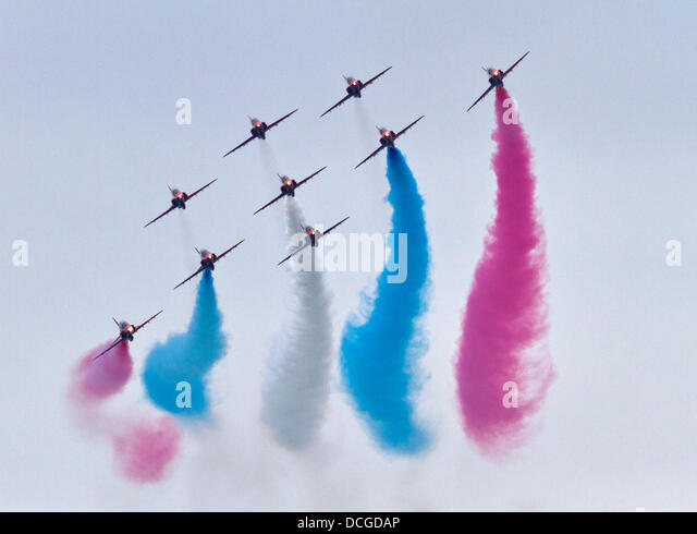 Eastbourne, East Sussex, UK. 16 August 2013. The RAF Red Arrows at Airbourne, the Eastbourne air show 2013. © - Stock Image