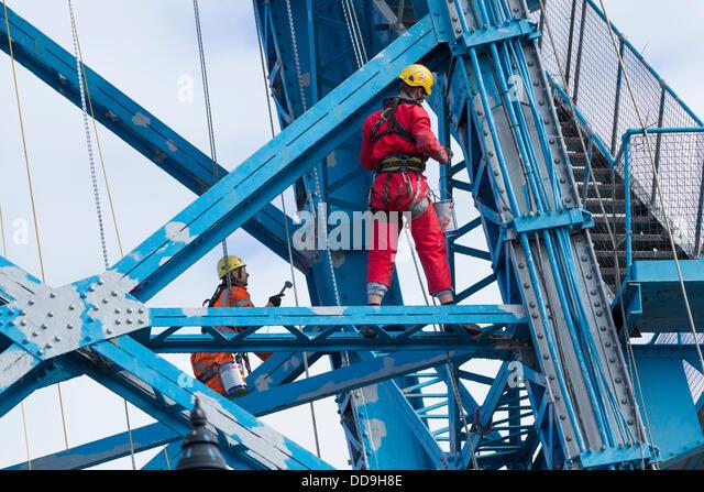 Painting The Transporter Bridge in Middlesbrough, England, UK - Stock-Bilder