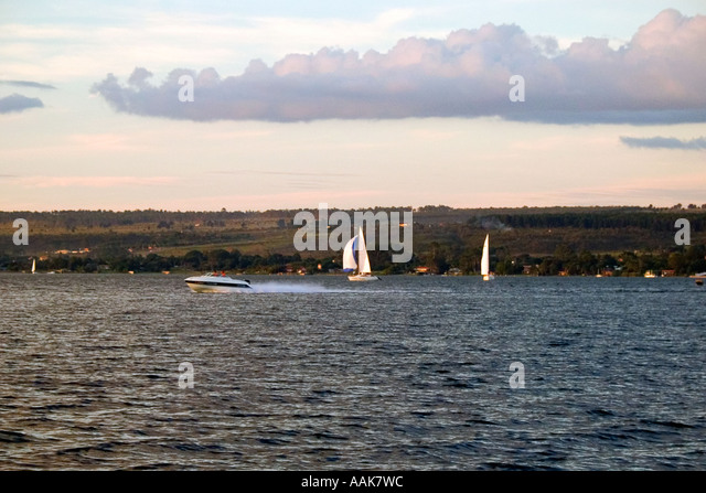 Leisure in Paranoa Lake in late afternoon Brasilia Brazil - Stock Image