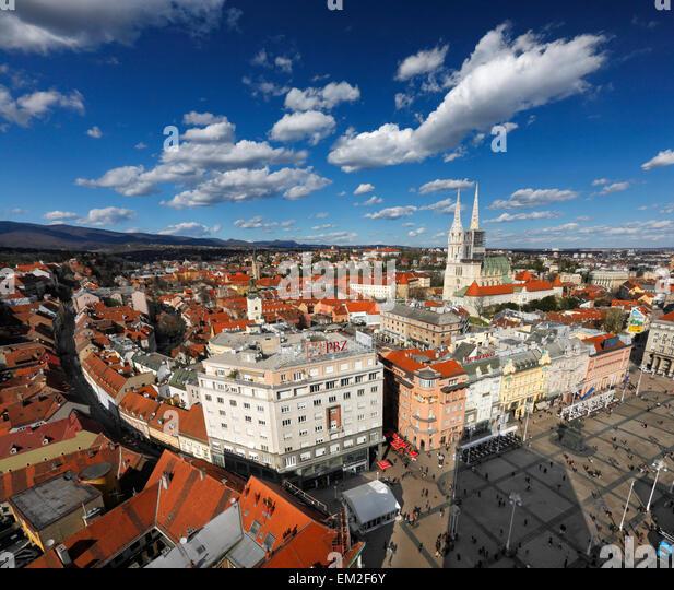 Zagreb aerial view. Jelacic square and Zagreb Cathedral. - Stock-Bilder