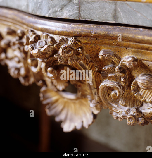carved detail on an antique console table - Stock-Bilder