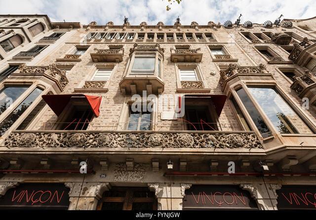 Vinçon design shop located on Barcelona famous street Passeig de Gracia, Casa Ramon, modernist architecture, - Stock Image