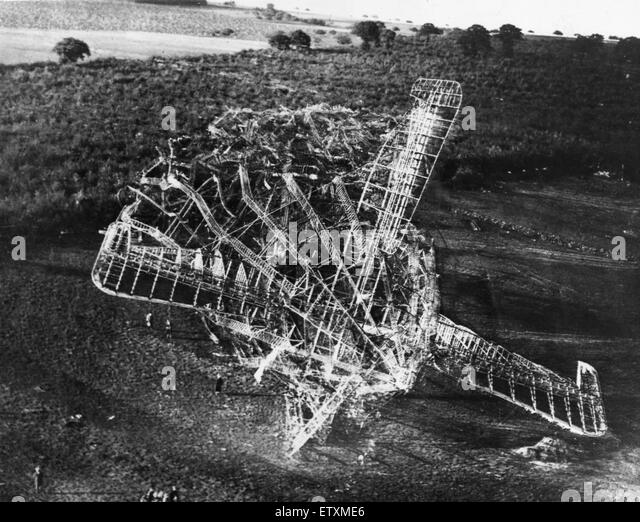 Aerial view of the wreckage of the R101 airship that crashed into a hill near Beauvais, France, in the early hours - Stock Image