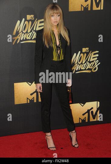 Burbank, CA, USA. 9th Apr, 2016. 09 April 2016 - Burbank, California - Gigi Hadid. Arrivals for the 2016 MTV Movie - Stock Image