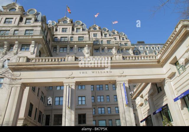 Washington DC Pennsylvania Avenue The Willard Intercontinental Hotel historic luxury hotel office building modern - Stock Image