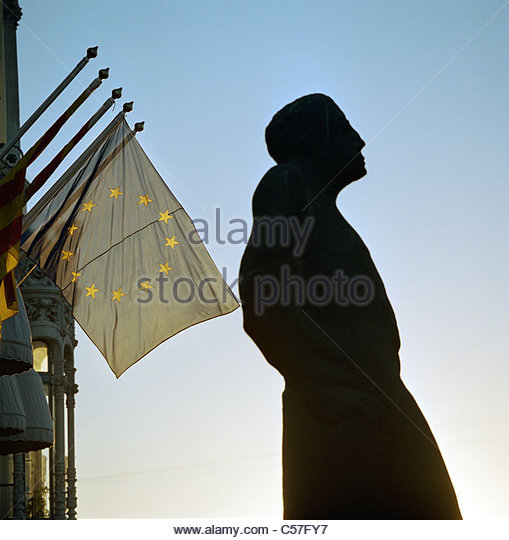 Statue with European Union flag - Stock Image