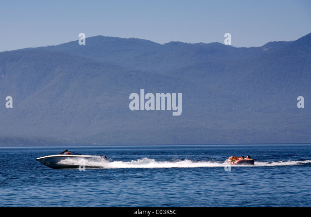 Water sport on the lake of Caburga, Pucon, Chile - Stock Image