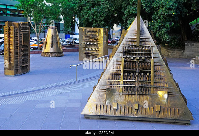 Artist Arnaldo Pomodoro's Forms of Myth (Forme del Mit) bronze sculptures in Brisbane. - Stock Image
