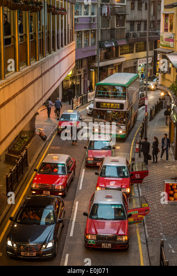 Congested road in Hong Kong - Stock Image