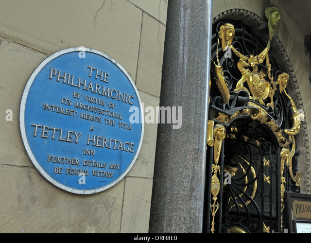 Entrance to the Philharmonic Dining Rooms tavern in Gold Liverpool maritime England UK - Blue Heritage Plaque - Stock Image