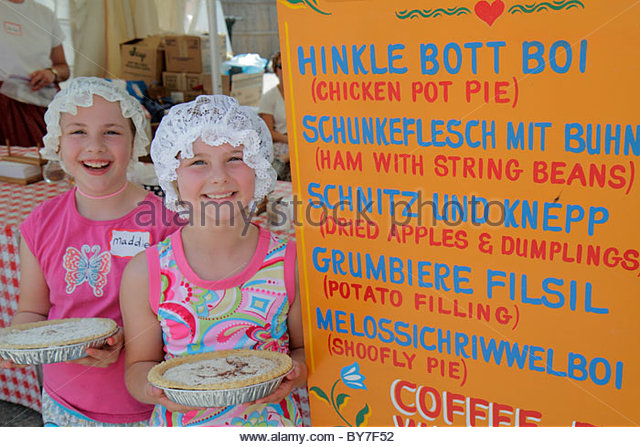 Pennsylvania Kutztown Kutztown Folk Festival Pennsylvania Dutch folklife heritage sign traditional food schnitz - Stock Image