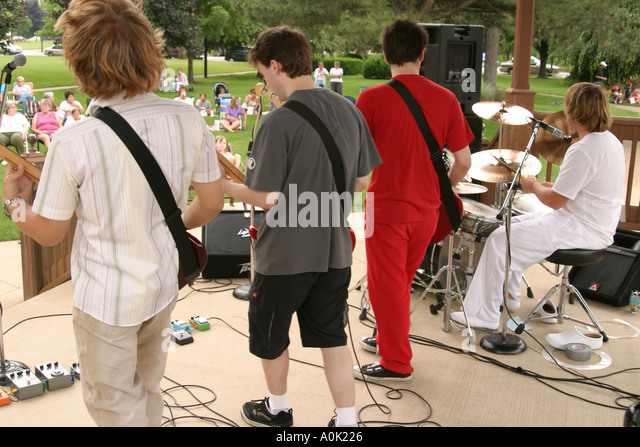 Ohio Sandusky Washington Park Gazebo free concert audience rock band music entertainment - Stock Image
