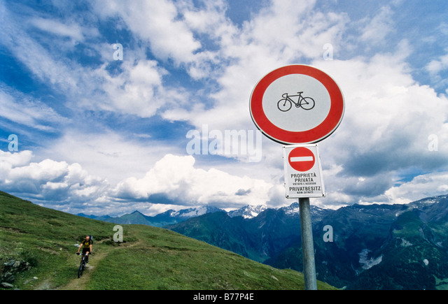 Bikes forbidden, cycling forbidden sign, Brenner-Grenzkamm road, the Alps, Tirol, Austria, Europe - Stock Image