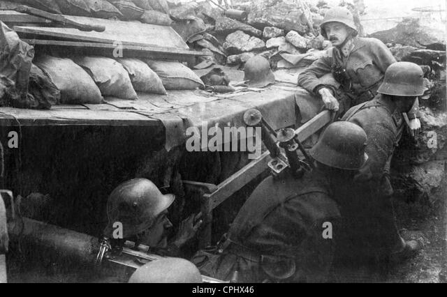 Austrian soldiers during one of the battles of Isonzo, 1917 - Stock Image