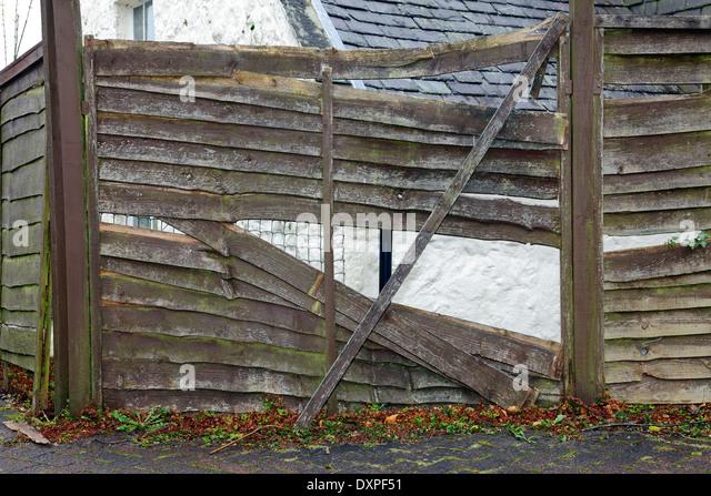 A well worn fence, UK - Stock-Bilder