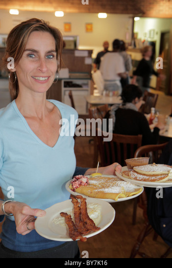 Nashville Tennessee Historic Hillsboro Village Neighborhood Pancake Pantry restaurant family business breakfast - Stock Image