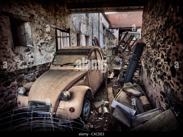 Farmers old Citroën 2CV in France - Stock Image